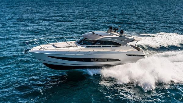 Riviera 4800 Sport Yacht Series II Platinum Edition Riviera 4800 Sport Yacht Series II Platinum Edition