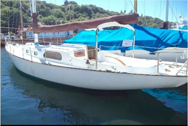 Rhodes  Bounty II 41 Sloop main