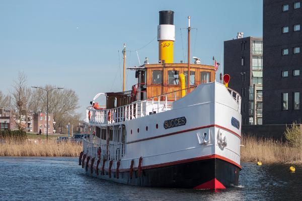 Custom Vintage Passenger S.S. / M.Y. Vintage Passenger Steamship / Motoryacht