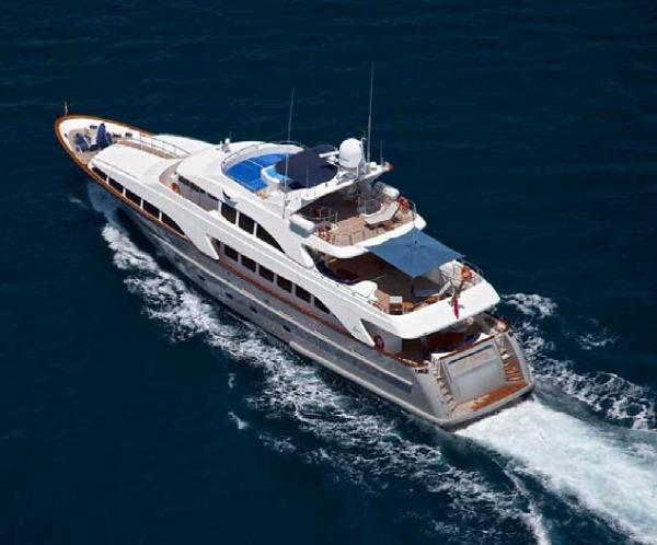 Benetti 35m Custom Built Underway