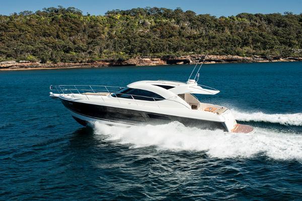 Riviera 5000 Sport Yacht - IN STOCK Running Shot