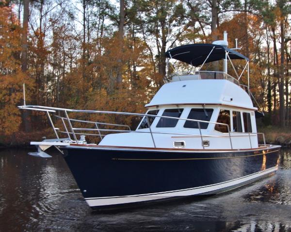 Sabre 36 Flybridge Sedan SALTY ACORN II