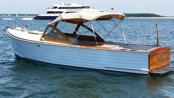 MacKenzie Cuttyhunk Bass Boat 2007 Isuzu Diesel