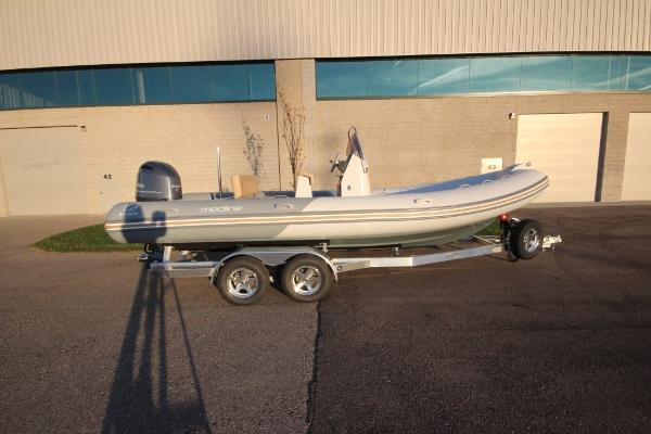 Zodiac Medline 660 NEO 200hp In Stock