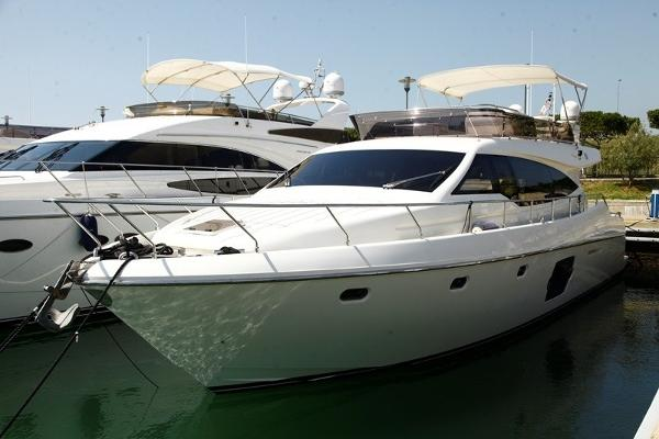 Ferretti Yachts 510