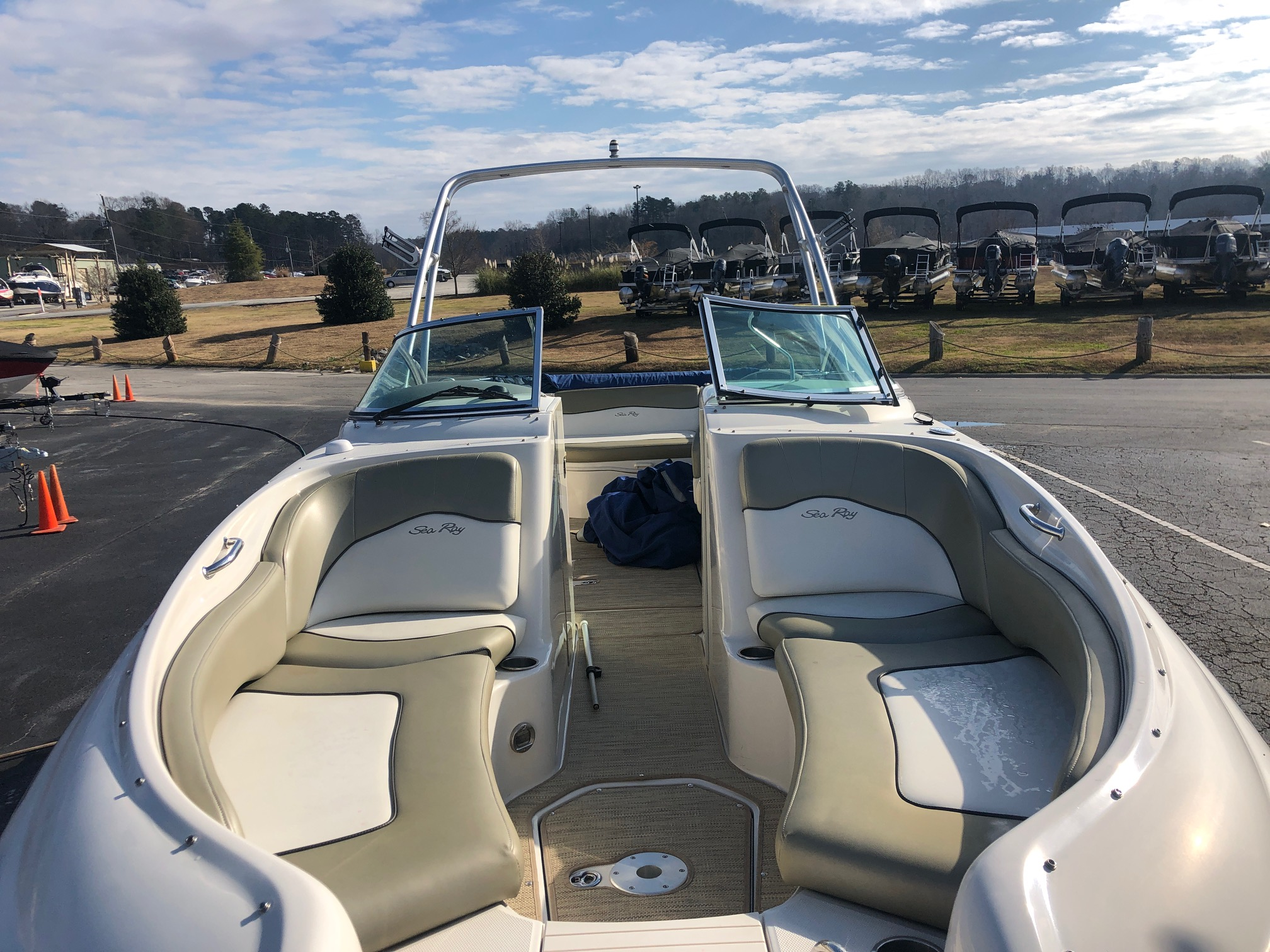 Sea Ray Sundeck