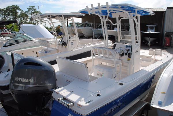 Robalo 226 Cayman Bay Boat 2017-Robalo-226-Cayman-Bay-Boat-For-Sale