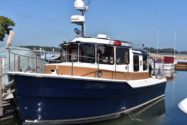 "Ranger Tugs 31 Sedan Presenting ""Lucky Lucy"""