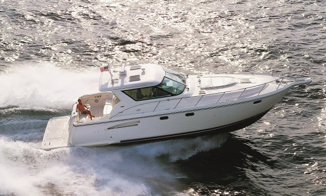 Tiara 4700 Sovran