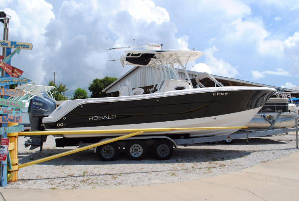 Robalo R300 Center Console USED-2008-ROBALO-300-CENTER-CONSOLE-FISHING-BOAT-FOR-SALE