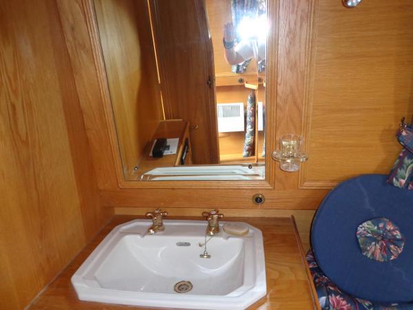 Master Cabin hand basin