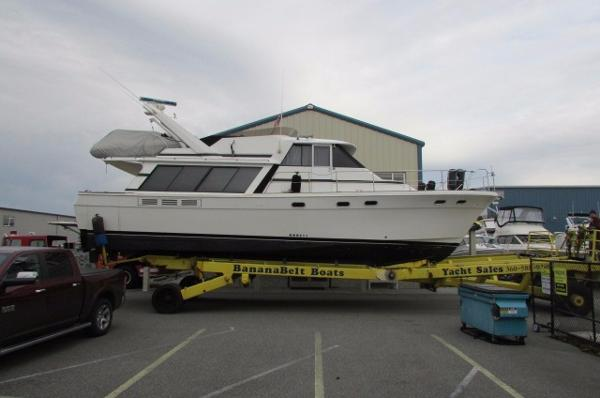 Bayliner 45 Pilothouse