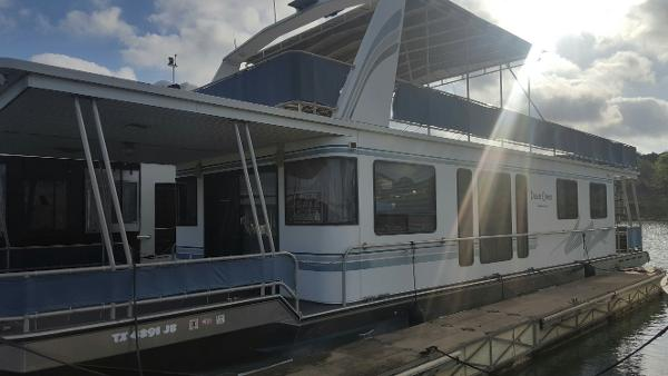 Thoroughbred Cruisers Custom Ordered Houseboat