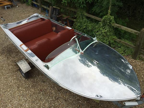 Classic Saro Terrapin Speedboat