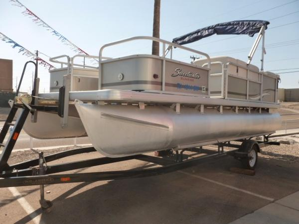 Sweetwater 20 Fish Pontoon