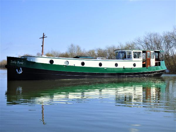 Piper 60M MOTOR CLASS DUTCH BARGE