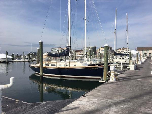 Pearson Sloop Starboard View