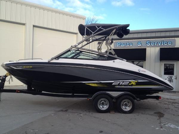 Yamaha Boats 212X Open Bow