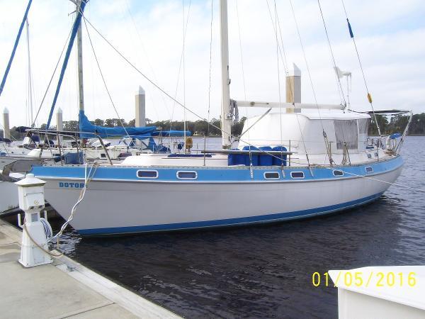 Morgan 41 Classic Dockside January 2016