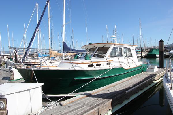 Halvorsen 32 Gourmet Cruiser Lying potentially transferable Sausalito Yacht Harbor slip