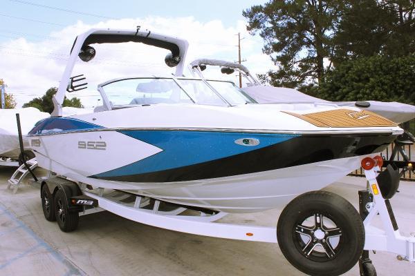 MB B52 V23