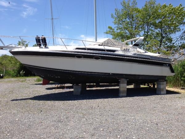 Wellcraft St Tropex Ex 3200 St. Tropez 3200 Express Cruiser