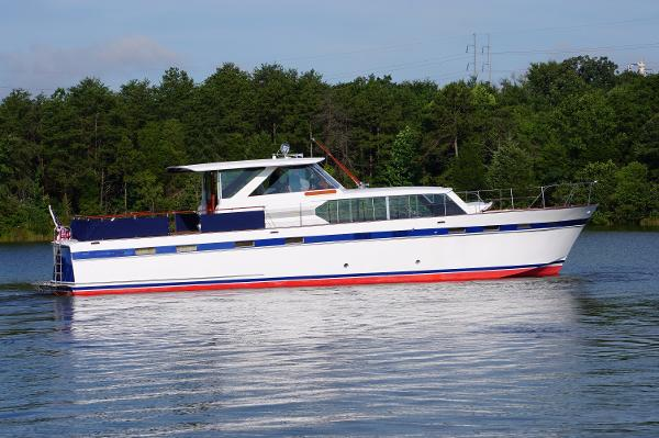 Chris-Craft Roamer Motor Yacht