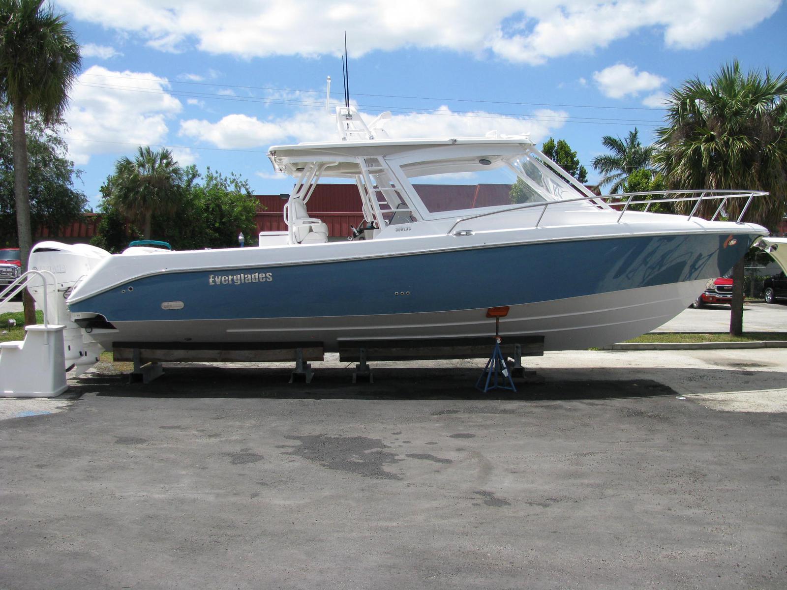 Everglades Boats 360LXC