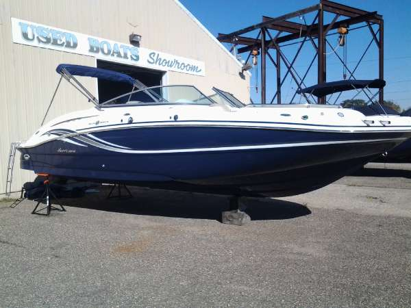 HURRICANE BOATS SD 2600 IO