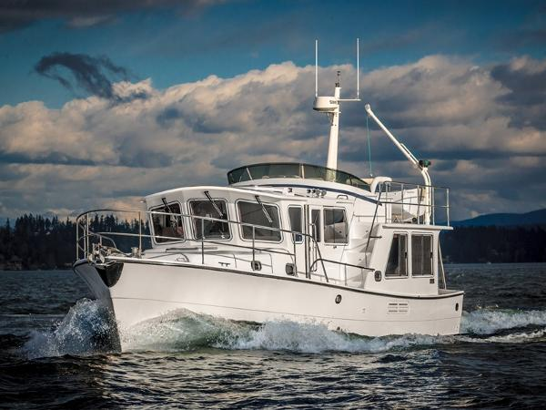 Helmsman Trawlers 38 Pilothouse Underway