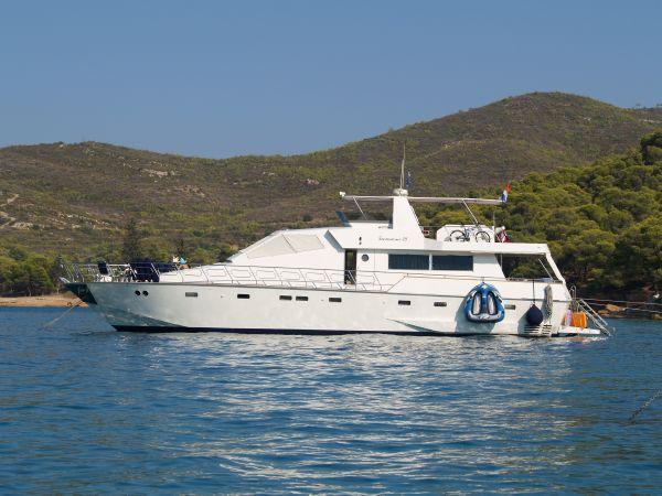 Tecnomarine 75 Tecnomarine 24 Flybridge Yacht - Main image