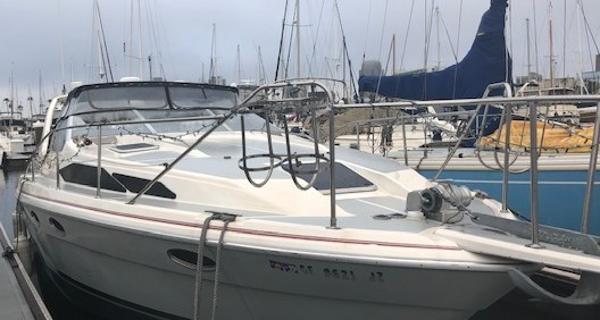 Bayliner 375 Avanti Starboard View