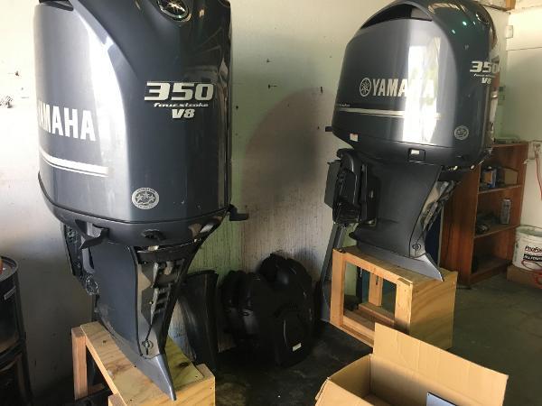 Yamaha Outboards F350 Yamaha Four stroke