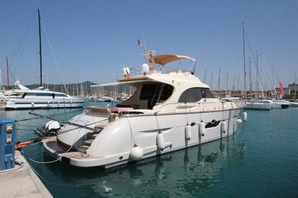 Abati Yachts 64 Freeport IMG_1022