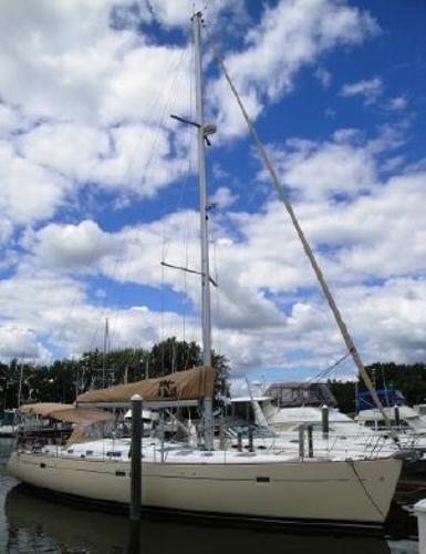 Beneteau 473 At the Dock