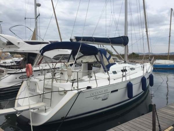 Beneteau Oceanis Clipper 393 BO42916a.jpg