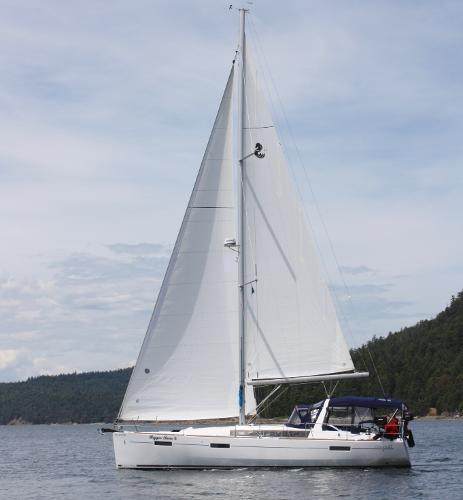 Beneteau Oceanis 41 Under Sail