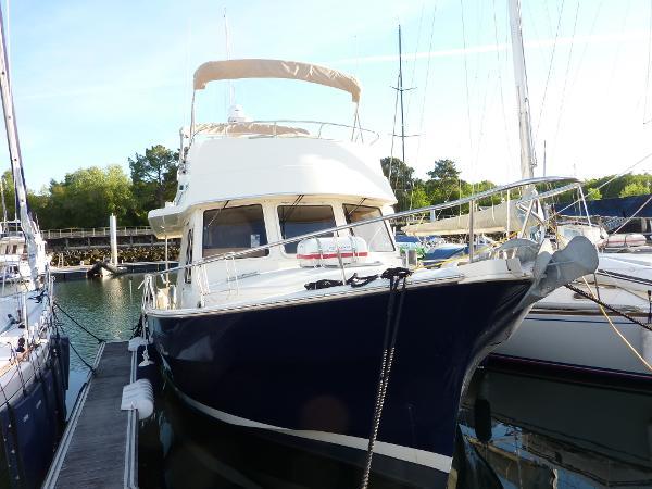 Mainship 400 Expedition Trawler