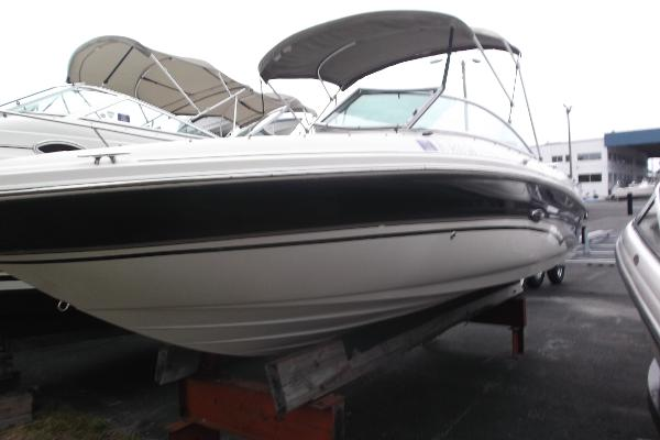 SEA RAY 200 LUXURY SPORT BOWRIDER 200 LUXURY SPORT BOWRIDER