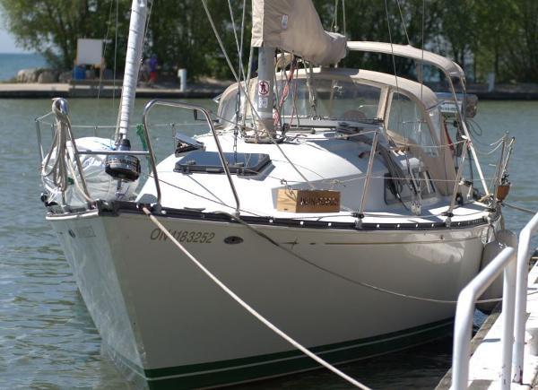 C&C 32 At Dock