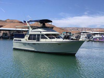 Tollycraft Sundeck Motor Yacht