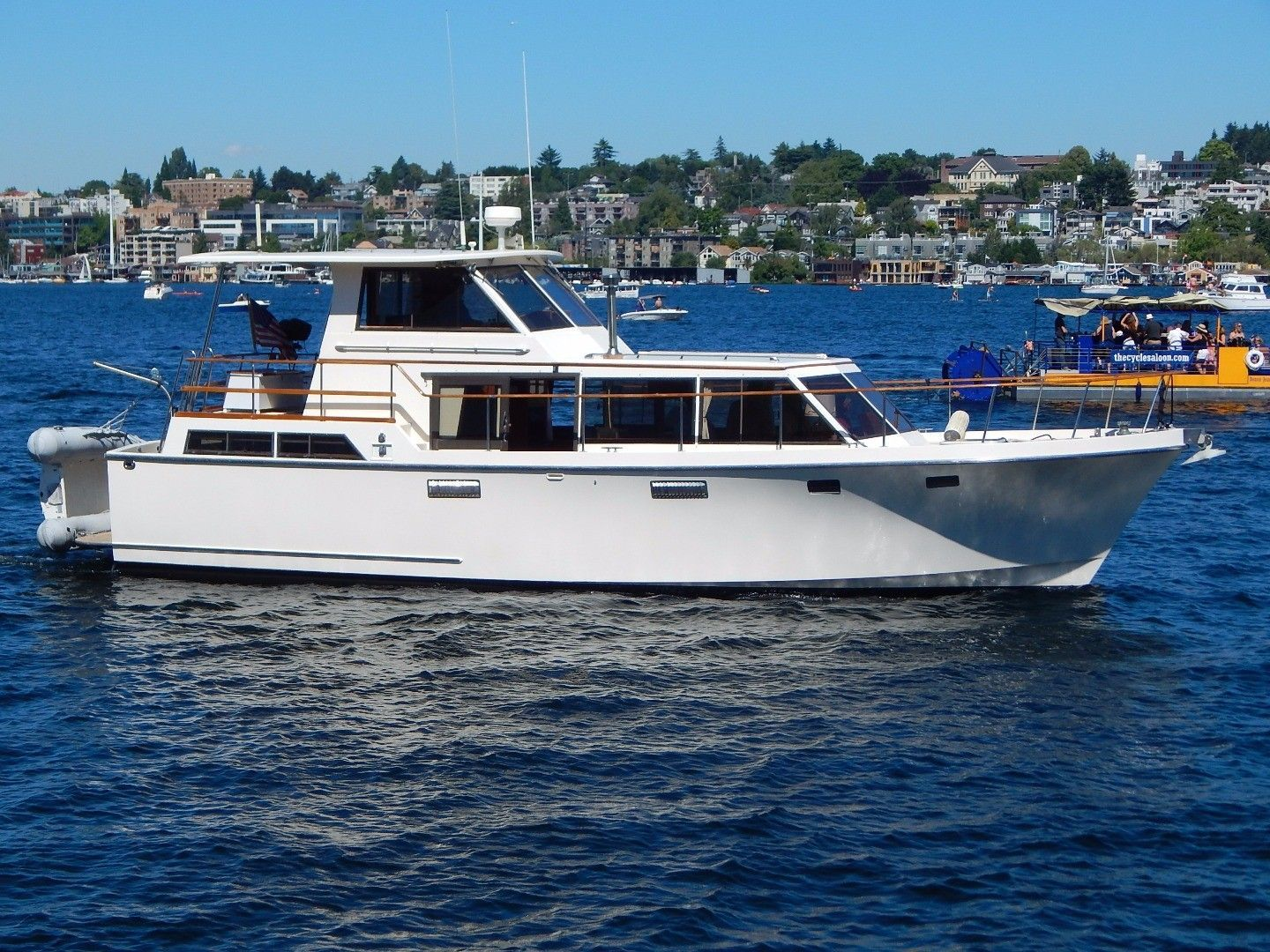 Roughwater 42 Pilothouse