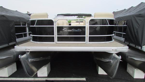 Sweetwater 2286 Cruise