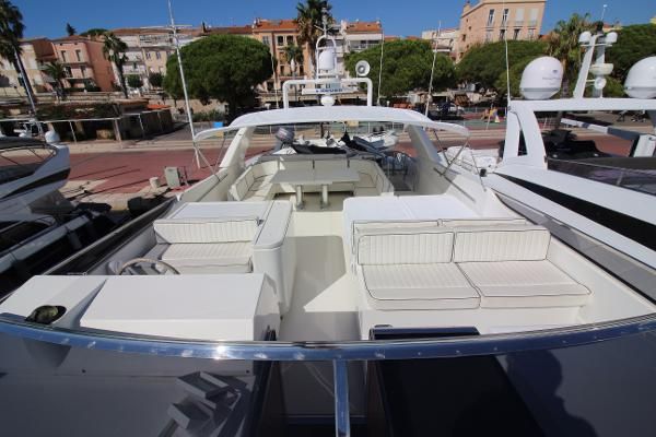 Sanlorenzo 88 Flybridge Looking Aft