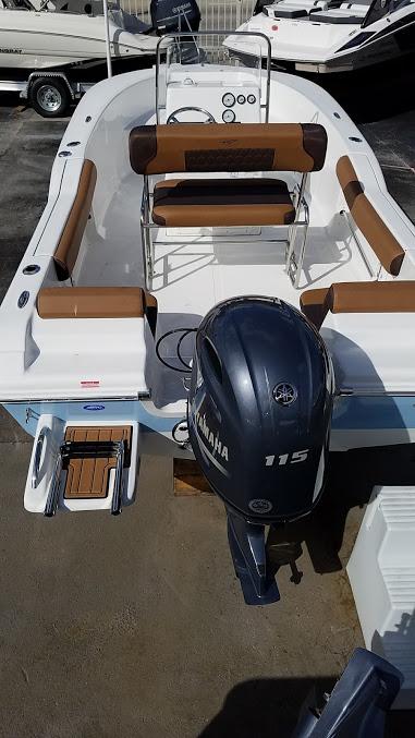 Tidewater Boats 180 Adventure Cc
