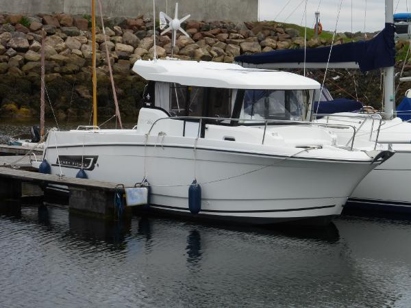 Jeanneau Merry Fisher 855 Marlin Jeanneau Merry Fisher 855 Marlin