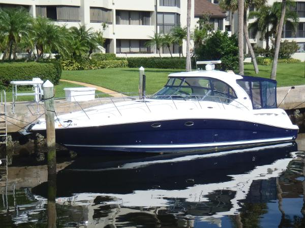 Sea Ray 390 Sundancer Port fwd
