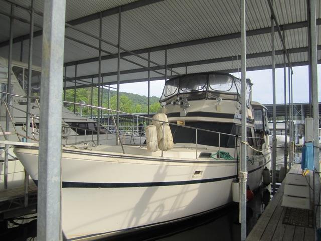 President Motor Yacht 41 Aft Cabin