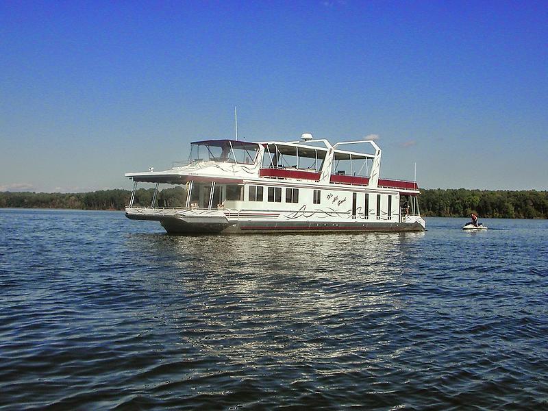 Lakeview Yachts 81 Wide Body DSCN1091.JPG