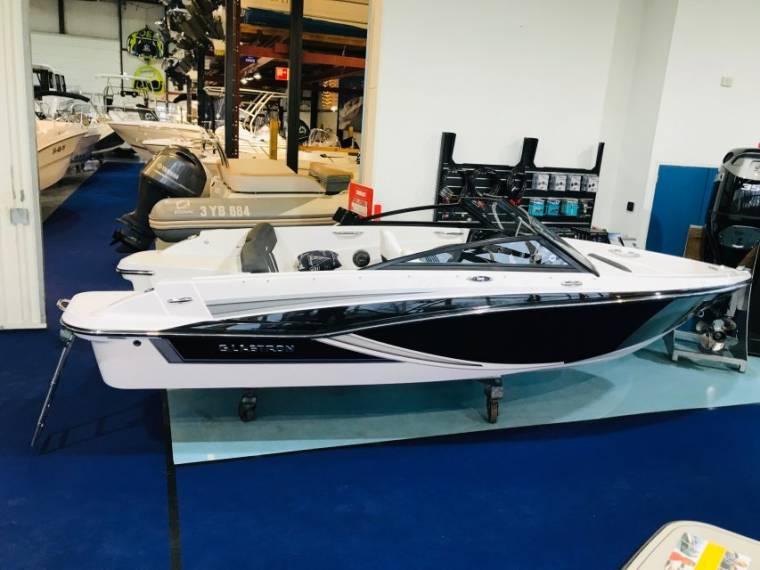 Glastron Boats Glastron GT 180 Bowrider